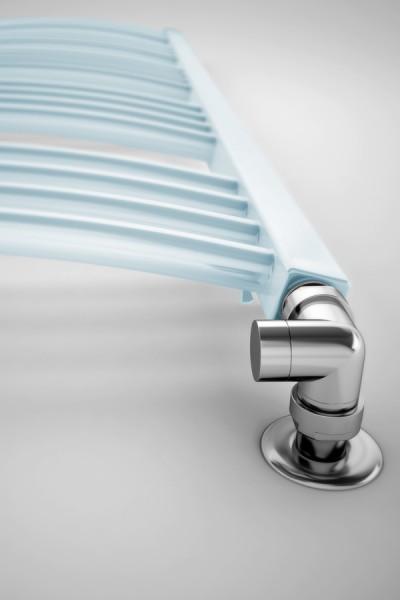 Handtuch Heizkörper Farbe Pastel Blue an der Wand mit Thermostatventil